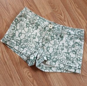 Aeropostale Size 3/4 White and Green Floral Shorts
